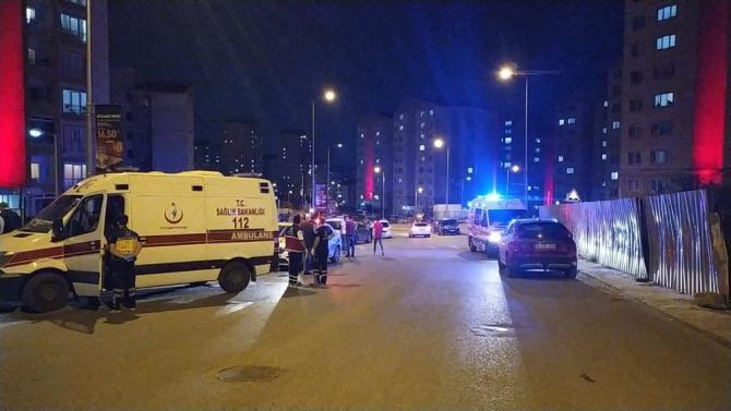 Başakşehir'de eski ve yeni site yönetimi birbirine girdi: 5 yaralı
