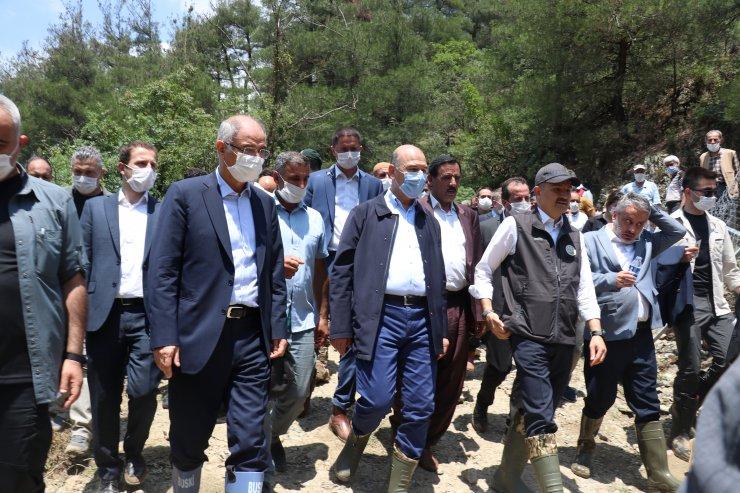 İçişleri Bakanı Süleyman Soylu, Bursa'da sel bölgesinde incelemelerde bulundu: