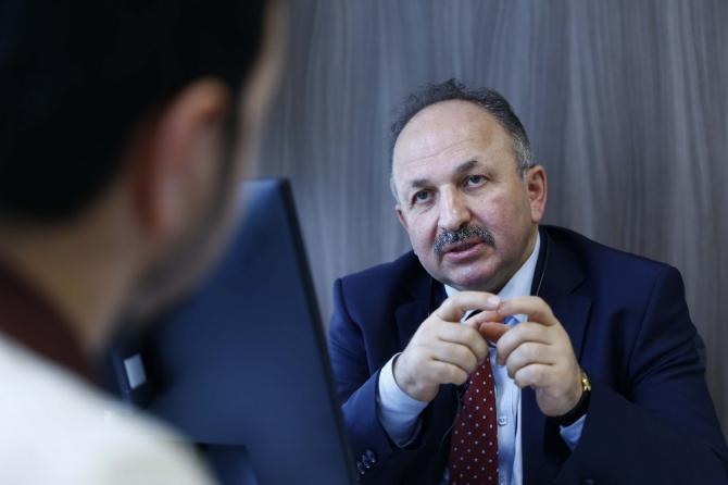 """Prof. Dr. Öztürk: """"Maske takmak insani bir vatandaşlık görevidir"""""""