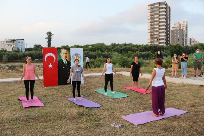 Mezitli'de Uluslararası Yoga Günü kapsamında etkinlik düzenlendi