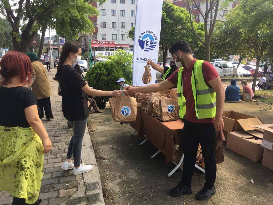 Tuzla Belediyesi, LGS'ye giren öğrenci ve velilerin heyecanına ortak oldu!