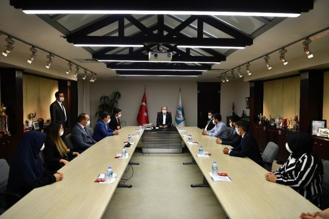 AK Parti Gençlik Kollarından Başkan Büyükkılıç'a ziyaret