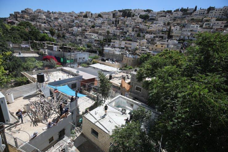 İsrail Kudüs'te 4 çocuklu Filistinli aileyi evsiz bıraktı
