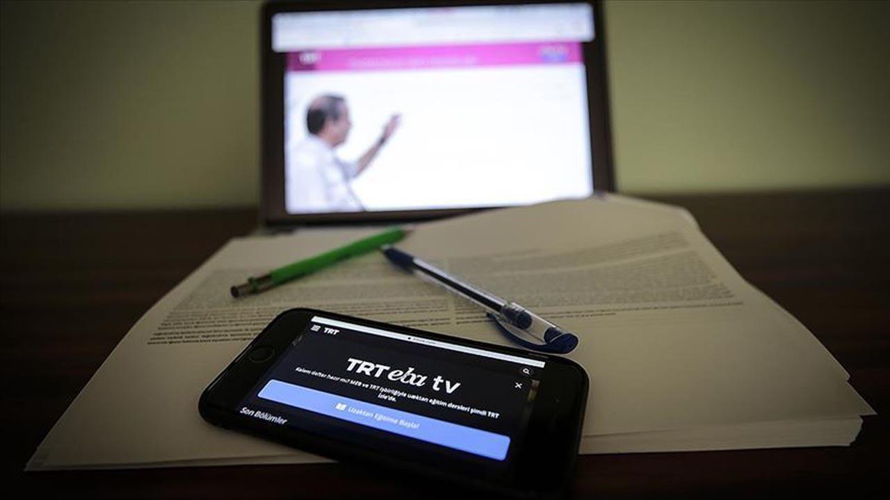 EBA nasıl girilir? Öğrenci giriş nasıl yapılır? EBA TV'de öğretmen seminerleri nasıl izlenir?