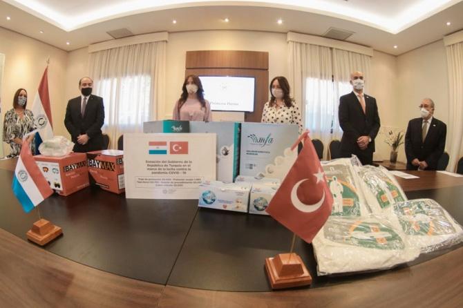Türkiye'den Paraguay'a salgınla mücadelede tıbbi malzeme yardımı