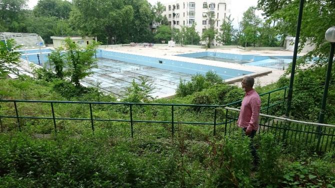 Bursa'nın simgesi Havuzlupark harabeye döndü