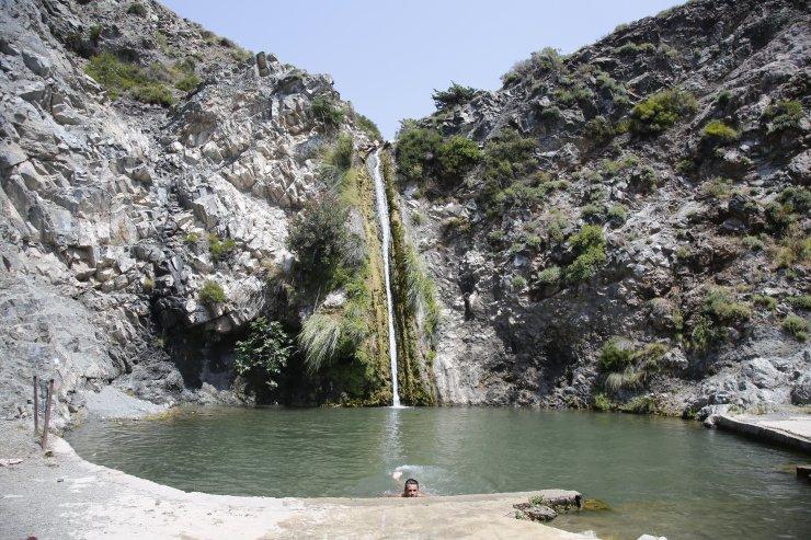 """Doğu Akdeniz'in """"gizli cenneti"""": Şellak Şelalesi"""