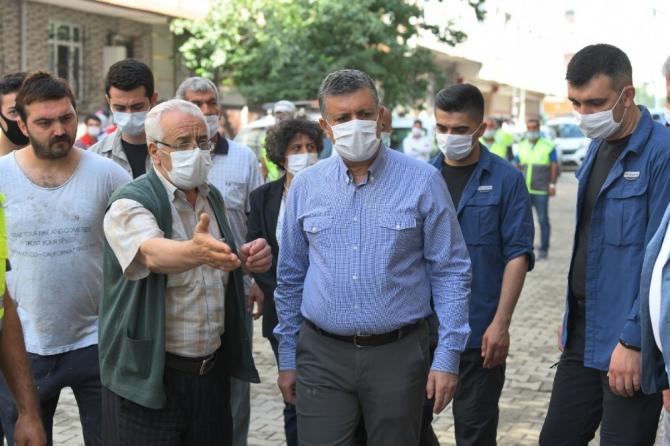 Esenyurt'ta vatandaşların yaraları sarılıyor