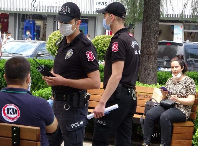 Önce karantina uygulamaları geri döndü sonra maske takmak zorunlu hale geldi