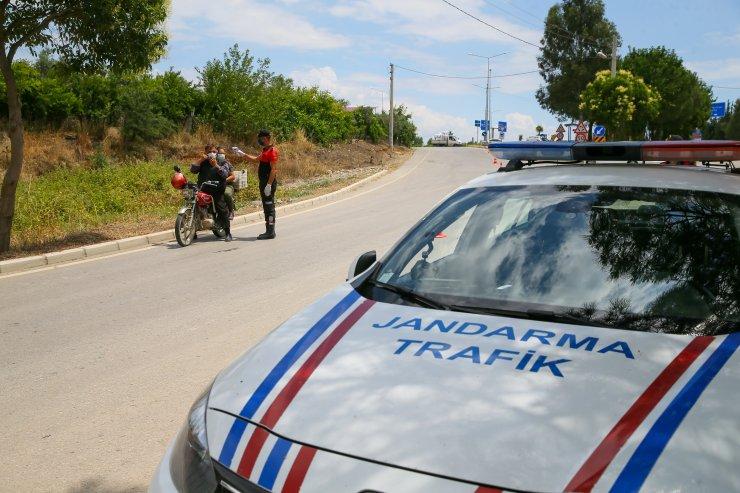 İzmir'de Kovid-19 vakalarının arttığı mahallede ek önlemler alındı