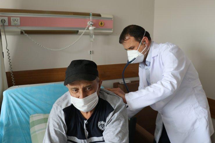"""Kanser hastalarına """"Kovid-19 sürecinde tedaviyi aksatmayın"""" uyarısı"""
