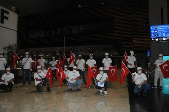Türk işçiler özel izinle Malta'ya gitti