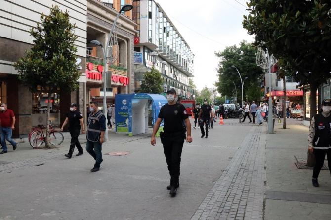 Sakarya'da maske takmayan 26 kişiye 23 bin 400 TL ceza