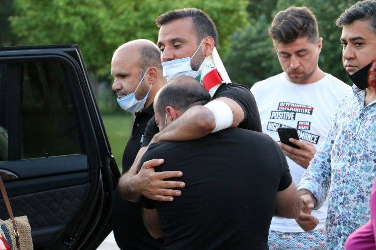 GÜNCELLEME 2 - Şarkıcı Alişan, Manisa'da kaza yaptı