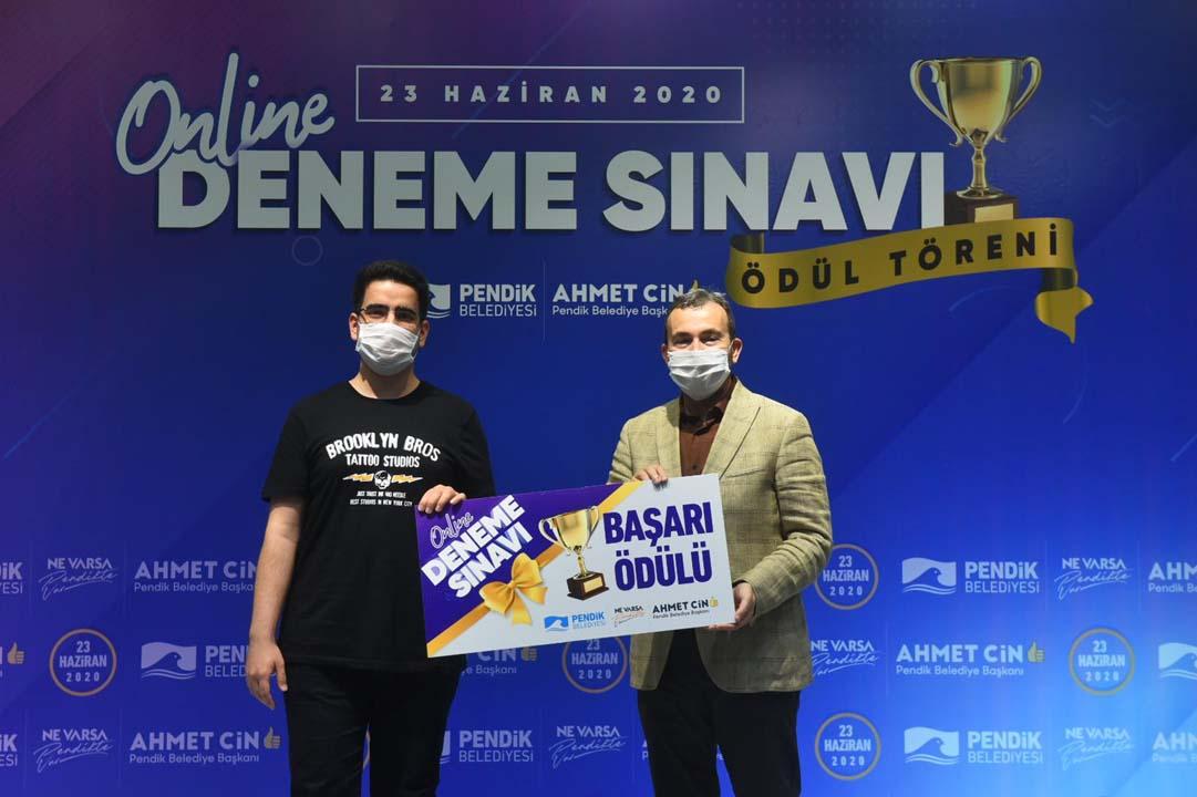 LGS'de dereceye girenlere Başkan Ahmet Cin, ödüllerini takdim etti!