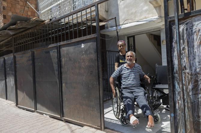 Mersin'de engellilere akülü sandalye desteği