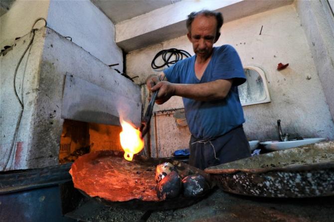 Dedelerinin esir düşüp çancılığı öğrendiği Yunanistan'a şimdi çan ihraç ediyorlar