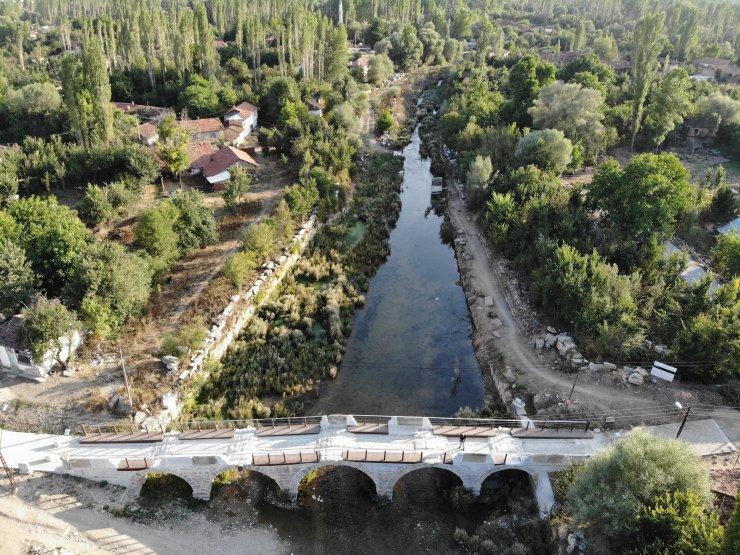 """Aizanoi'nin ziyaretçileri nehirde kayıkla """"Antik Çağ'a yolculuk"""" yapacak"""