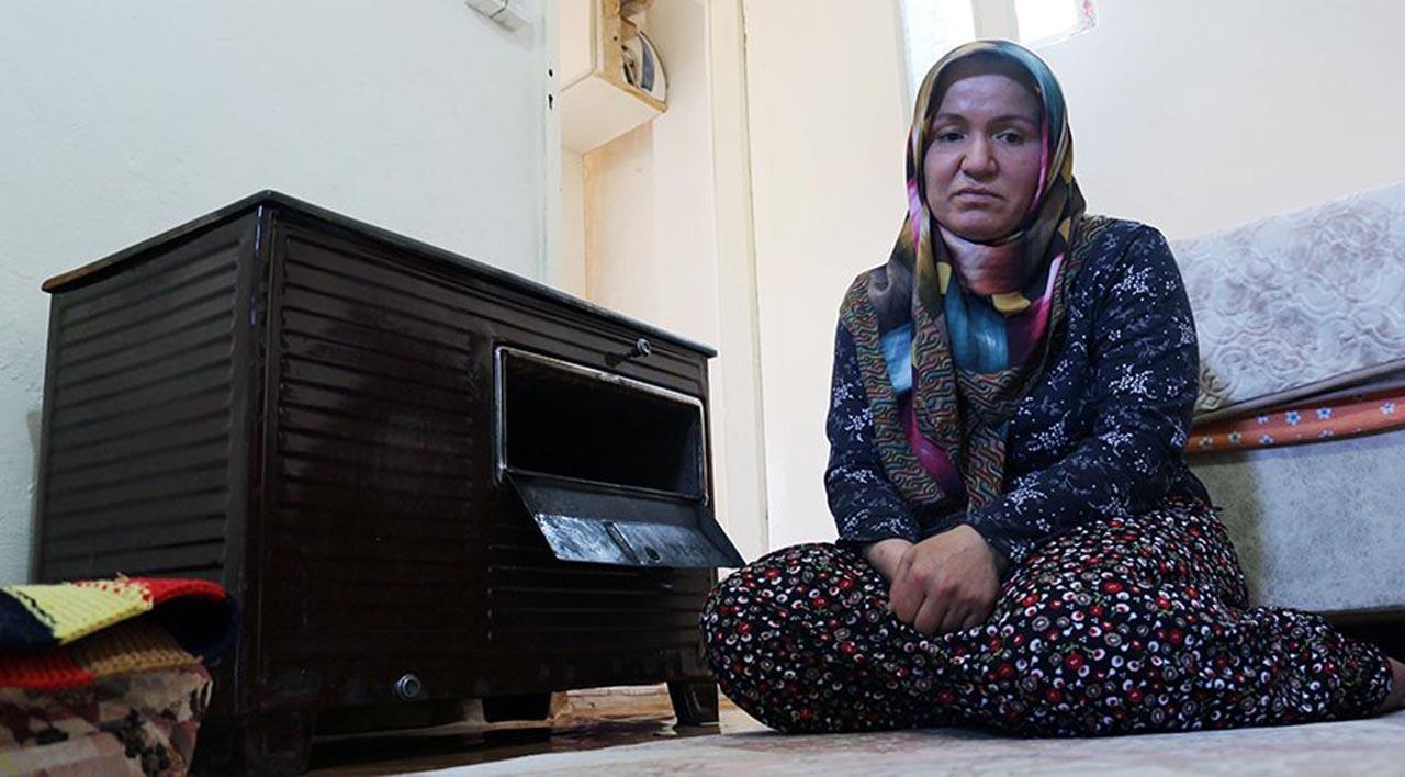 Biriktirdiği parası sobada kül olan kadının imdadına Bakan Albayrak yetişti