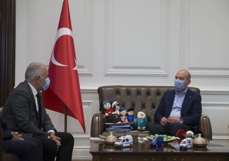 İçişleri Bakanı Soylu, İdlib için 10 briket ev daha bağışladı: