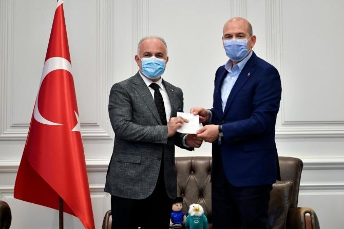 İçişleri Bakanı Soylu, İdlib için 10 briket ev daha bağışladı