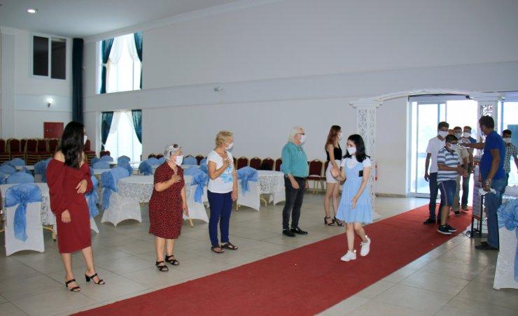 """Mersin'de düğün salonlarında alınacak önlemler """"temsili düğün"""" ile anlatıldı"""
