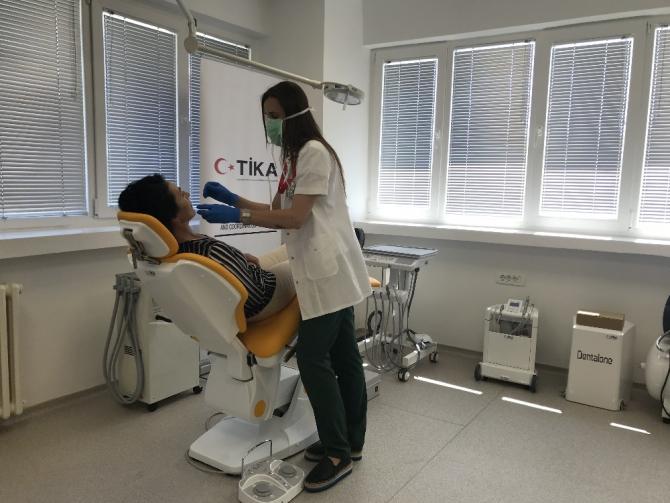 TİKA'dan Karadağ Klinik Merkezi Diş Sağlığı Polikliniğine tıbbi donanım desteği
