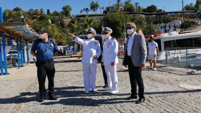 Antalya'da denizcilerin renkli bayramı