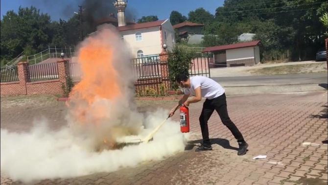 Basın mensuplarına yangınla mücadele eğitimi