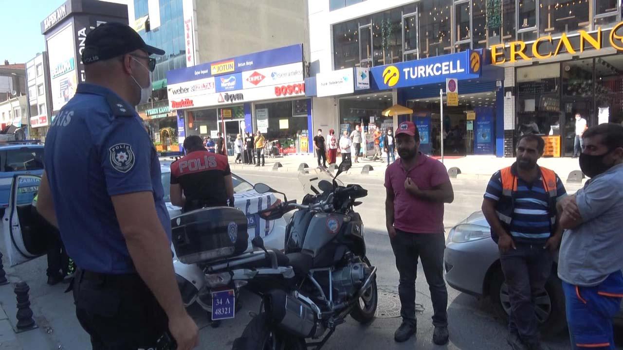 Arnavutköy'de maske cezasına tepki için kıyafetlerini çıkardı