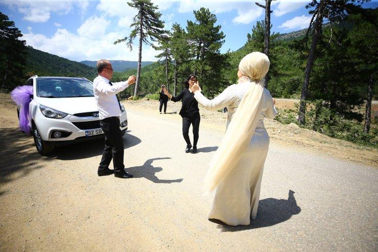 Konyalı çift yaylada düğün yaptı