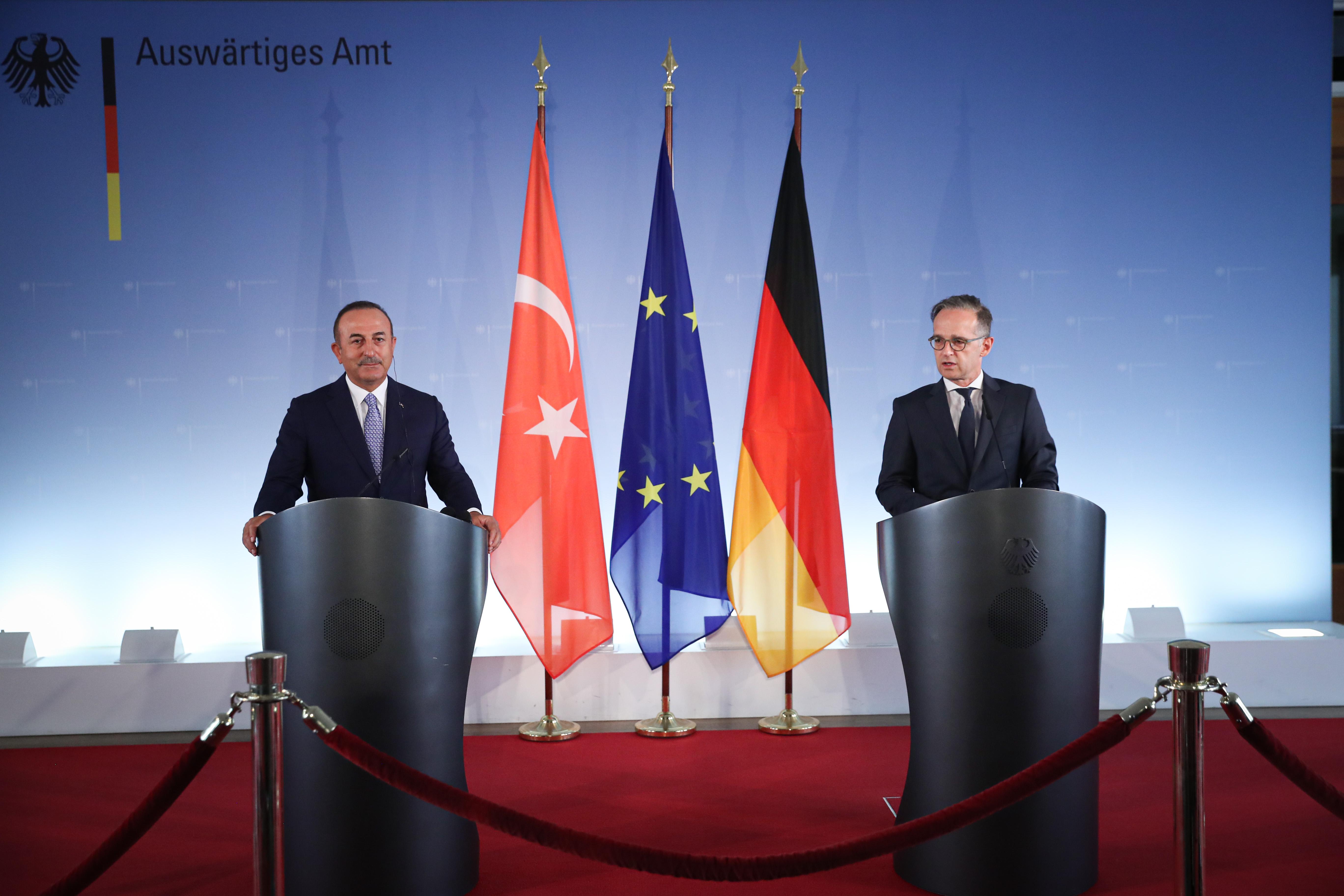 Çavuşoğlu'ndan turizm diplomasisi: Alman dostlarımız Türkiye'ye gelmek istiyor