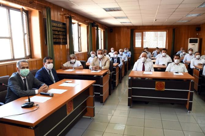 Vali Mahmut Çuhadar, meclis üyeleriyle bir araya geldi