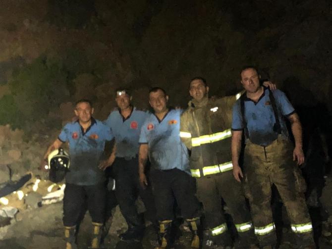 Ayvalık'ta Maden Adası'nda çıkan yangın itfaiyenin fedakarlığıyla söndürüldü
