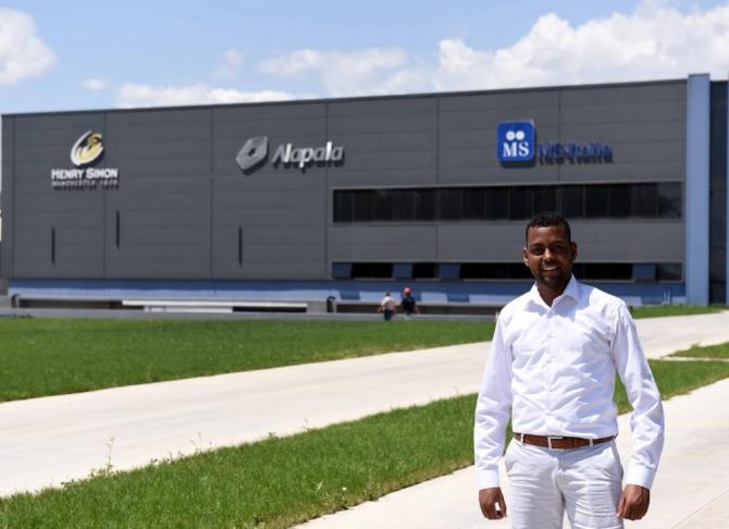 Kenyalı Abdi ihracatçı firmanın gözde elemanı oldu