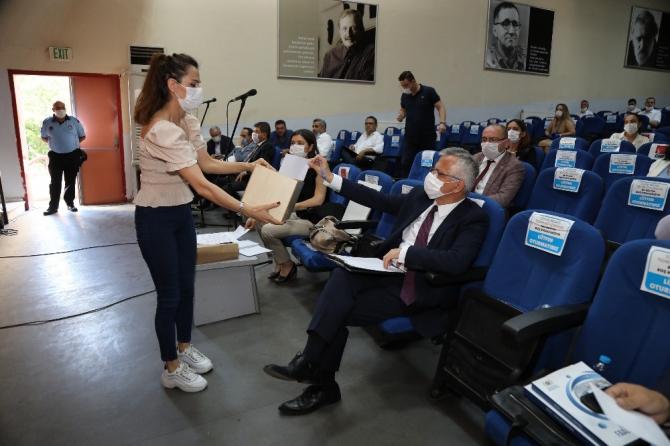 Başkan Arda, 'Beni koltuktan indirmek isteyenler hayal görüyor'