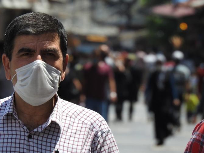 Vaka sayısının arttığı Gaziantep'te sokaklar tıklım tıklım