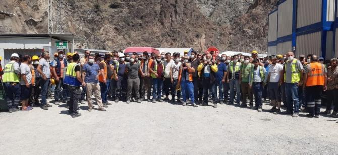"""Türkiye'nin en yüksek barajında """"Corona"""" molası"""