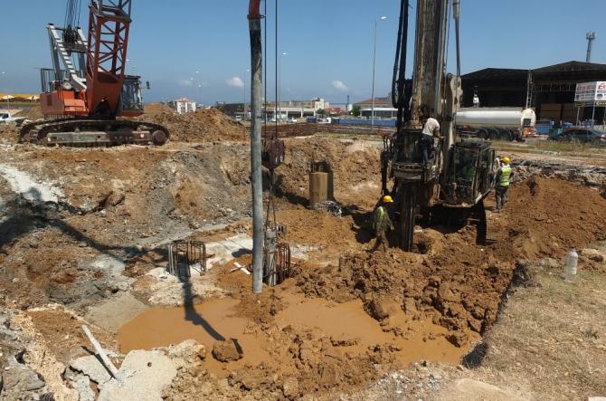 Bandırma'da viyadük ve köprülü kavşak çalışmaları hızlandı