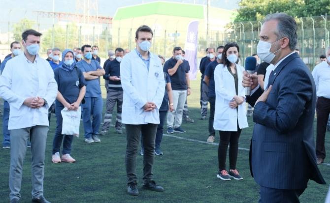Bursa Büyükşehir Belediye Başkanı Alinur Aktaş sağlık personeli buluştu