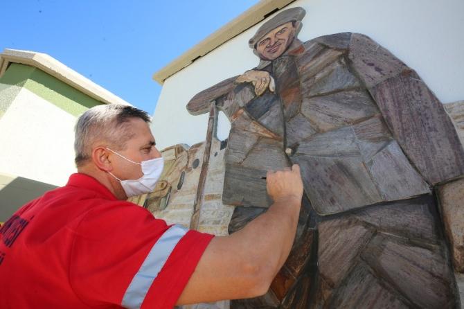 Belediye çalışanından kayrak taşıyla Çöpçüler Kralı