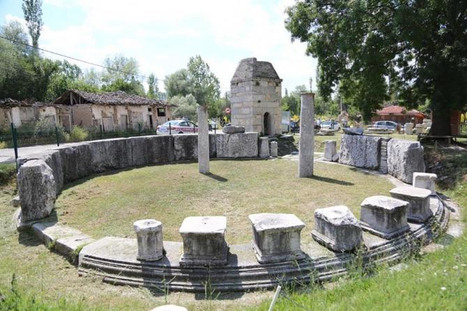 Kütahya Valisi Ali Çelik, Dünya Mirası Aizanoi'de incelemelerde bulundu