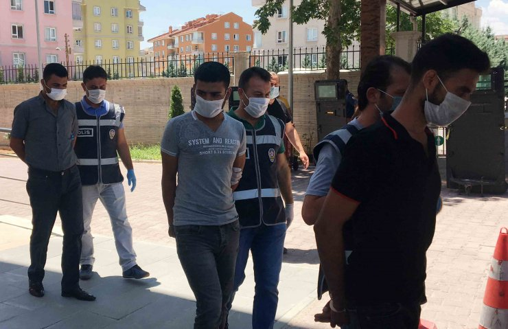 80 yaşındaki kadını FETÖ yalanıyla dolandıran 4 şüpheli Şanlıurfa'da yakalandı