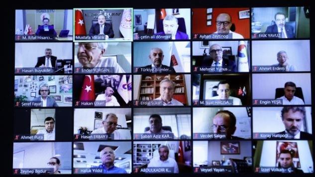 Bakan Varank: PMI verilerimizle G-20 ülkelerinin tamamını geride bıraktık