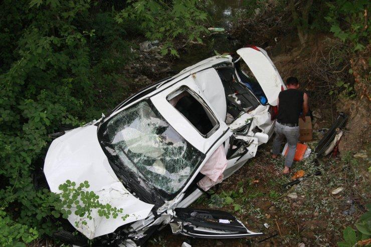 Cumhuriyet savcısı ile eşi ve oğlu kazada yaralandı