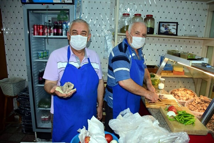 İzmir'in parmak ısırtan lezzeti: Söğüş