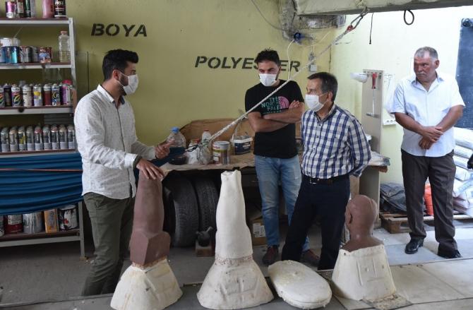Başkan Ataç'tan genç heykeltıraşlara ziyaret