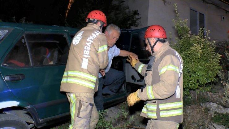 Maltepe'de kaldırımı aşan otomobil evin bahçesine girdi