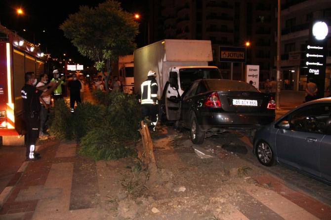 Kediye çarpmamak için park halindeki araçlara çarptı