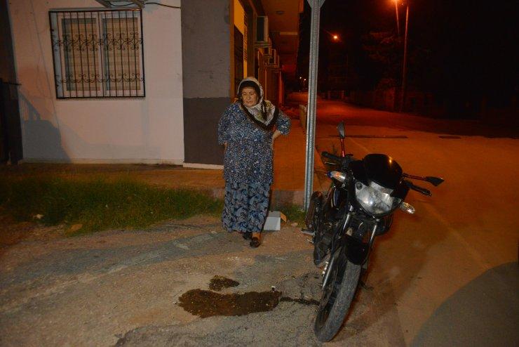 Damadının aldığı motosikleti çalan şüphelilere beddua okudu